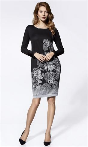 Стильное трикотажное платье с рисунком - фото 10858