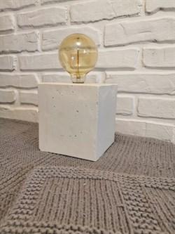 Светильник из белого бетона с лампой Эдисона - фото 12260