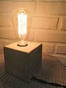 Светильник из бетона с лампой Эдисона