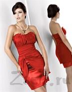 Красное платье с шикарной драпировкой