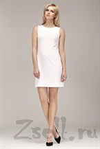 Белое маленькое платье без рукавов